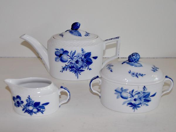 Blaue Blume: 3-teiliges Teeservice - Seltene Zylinderform!